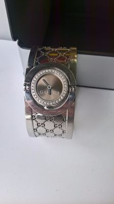 Ladies' Gucci Twirl collection watch, with diamonds.