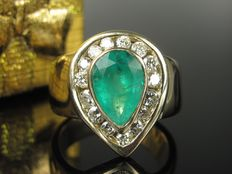 2 ct emerald, 0.60 ct diamond ring in 14 kt / 585 yellow gold gold ring *no reserve price*