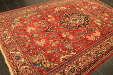 Old, high quality, hand-woven, Persian carpet Sarouk, made in Iran, old colours 230 x 340cm