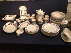 Boch Belgium, The very well-known farm style tableware - 54 x