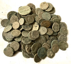 Roman Empire -Large collection of 140 Roman bronze coins-not cleaned- 1st / 4th. Century A.D.