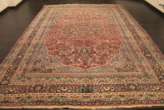 "Old hand-woven Art Nouveau Persian palace rug, Mashhad, 260 x 370cm, made in Iran, signed ""by  master weaver""."