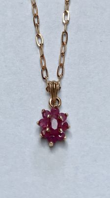 Rose gold necklace of 14 kt with 9 rubies - length: 50 cm