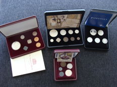 The Netherlands – Sets with various coins and medals (4 pieces) including silver.