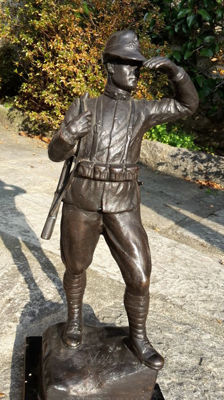 Guardia di Finanza military bronze statuette, World War I