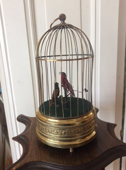 Brass singing birds in cage automaton - antique style - with two singing birds - French - First half of the 20th century