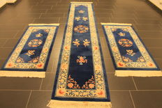 Beautiful Art Deco China Oriental carpet bed surrounding, made in China around 2000, dimensions 70 x 350cm 2 x 70 x 140cm