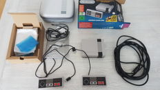Nintendo Classic Mini NES with extra controller and travel bag