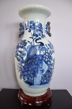 Beautiful decorated celadon-coloured vase - China - late 19th century