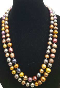 Extra long necklace composed of freshwater cultured pearls (14 to 10 mm) – Length: 130 cm