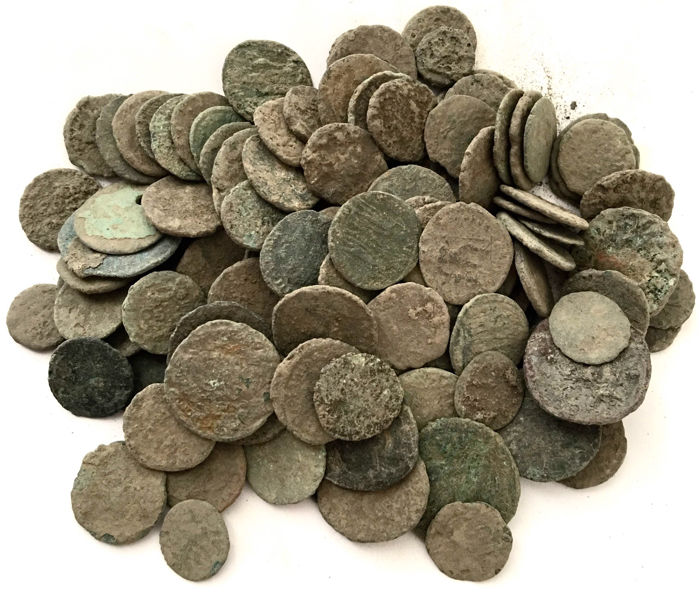 Roman Empire - Large collection of 130 Roman bronze coins-not cleaned- 1st / 4th. Century A.D.
