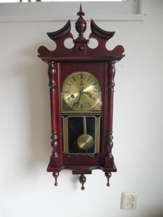 Classic regulator made of red wood - period: late 20th century