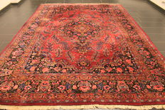 Royal hand-woven Persian carpet roses/flowers Mashhad, 250 x 360cm, made in Iran, signed by the master weaver