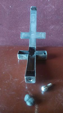 Large-size silver cross (pendant) with relic - Spain - 19th century
