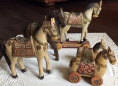 Set of 5 toy horses