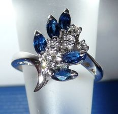 Diamond sapphire ring made of 14 kt / 585 white gold totalling 0.65 ct - small sized ring - size 50 / 15.9 mm