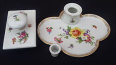 Inkwell in hand painted porcelain with gold trim, stamped underneath - Heubach Germany - 1910-1925