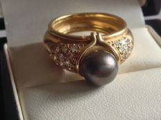 Ring in 18 kt gold, 9.5 mm pearl and 0.39 ct of diamonds - Ring size 16 mm