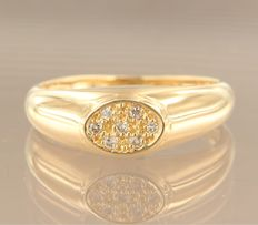 Yellow gold ring, 18 kt, set with seven brilliant cut diamonds of approx. 0.10 carat in total, ring size 17 (53)