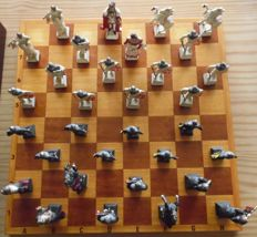 Chess Board with colored Knights complete in box with blue silk fabric inside weight over 15 kg metal tinnen  images Special