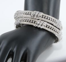 IGI certified Very Exclusive White Gold Pair Diamond Bangle with 10.25 ct.- Containing 939 Diamonds
