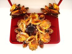 Vintage 1950s - Signed Copyright - D&E Juliana Amber Coloured Demi Parure = Brooch + Earrings - Book piece