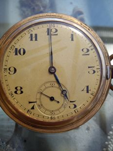 Antique unknown pocket watch from the 1900s.
