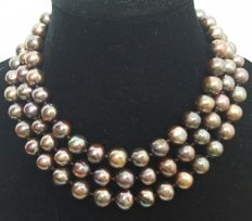 Long necklace composed of freshwater cultured coffee colour pearls – Length 130 cm