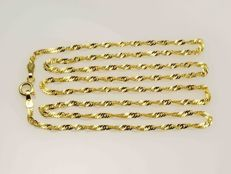 18k Gold Necklace. Chain Singapore. Length 50 cm. No reserve price.