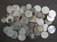 World – over 1 kilo of silver coins from all over the world – silver.