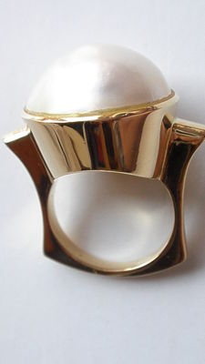 Gold ring (750) with Mabe pearl - size 56