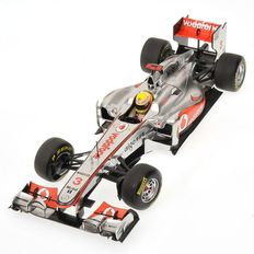 Minichamps - Scale 1/18 - Vodafone McLaren Mercedes MP4-26 L. Hamilton 2011
