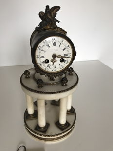 Temple portico clock in marble and golden bronze, 19th century, France
