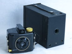 Lot of 2 box-type cameras from KODAK, a Baby Brownie Special and  N.2 film-pack Hawk-Eye 6x9, ca. 1922-25.