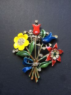 Brooch signed by Trifari A. Philippe 1940