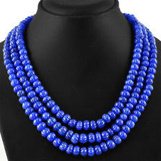 Hand-carved necklace from 3 strands of natural sapphire 690 ct