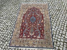 WOOL and SILK with signature PERSIAN ISPAHAN RUG Hand knotted 170x110 cm 1.00000 knott