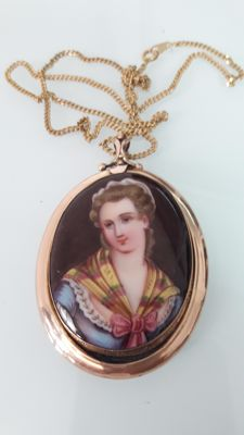 Necklace in gold and enamel, Lady