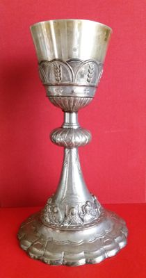 Neo-Gothic chalice in silver plated metal with silver-gilt bowl, Italy, 19th century, height 24.5 cm, 425 g