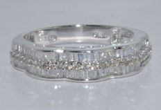 White gold (18 kt) ring set with 84 diamonds, for approx. 2.30 ct - *** No reserve price ***