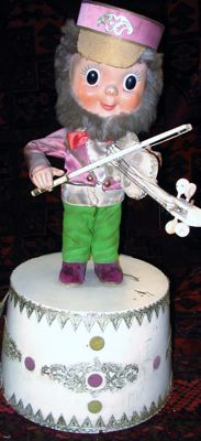 Old movable violin player, approx. 1940/50.