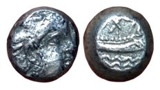 Greek Antiquity - Phoenicia, Arados - AR 1/3 Stater (11mm; 3,22g.), struck c. 400-350 BC - Head deity / Galley - Sear 5972