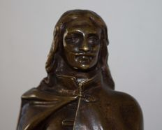 Bronze statue of a man in French traditional dress, possibly a nobleman - 2nd half of 19th century