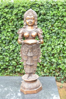 Large brass Deepa Laksmi statue of 26 kg - India - end of the 20th century
