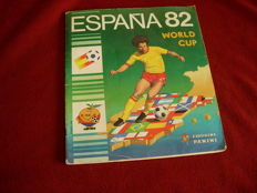 Panini - World Cup España 82 - Incomplete album (346 of 400 stickers present).