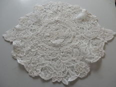 Collectors doily - Ancient table centre-piece made in cotton - France - c. 1900
