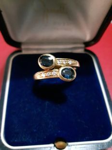 Contrarie ring in 750/1000 gold with 0.20 ct in diamonds and sapphires - size 16 (Italy), can be resized