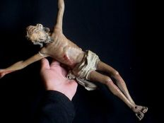 Rare polychrome wooden Corpus Christi of a large size - Flanders - 17th century.