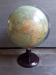 Columbus Erdglobus vintage globe on wooden base