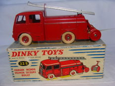Dinky Toy - France - Scale 1/43 - Berliet Fire Engine no. 32nd